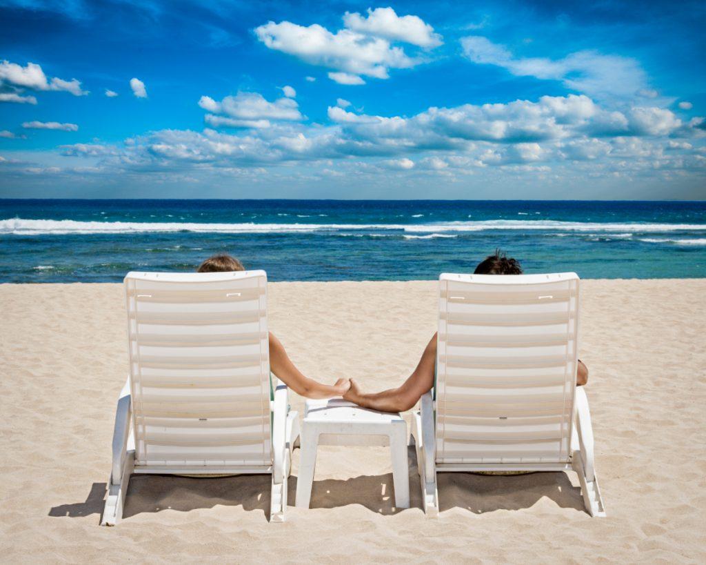 Par på stranden kærlighedssprog